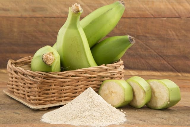 Suco detox de banana verde