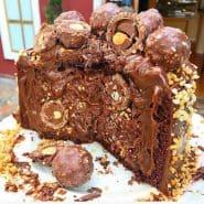 Receita de Bolo de Ferrero Rocher com brigadeiro cremoso e Nutella