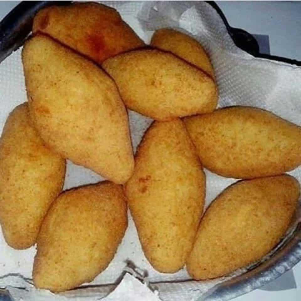 Receita de bolinho de mandioca com carne seca