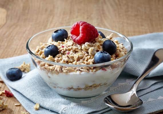 Receita de Iogurte Natural com Granola Low Carb
