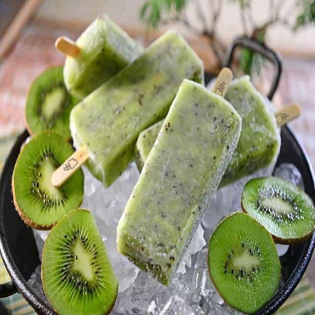 Receita de Paletas com Iogurte Grego e Kiwi