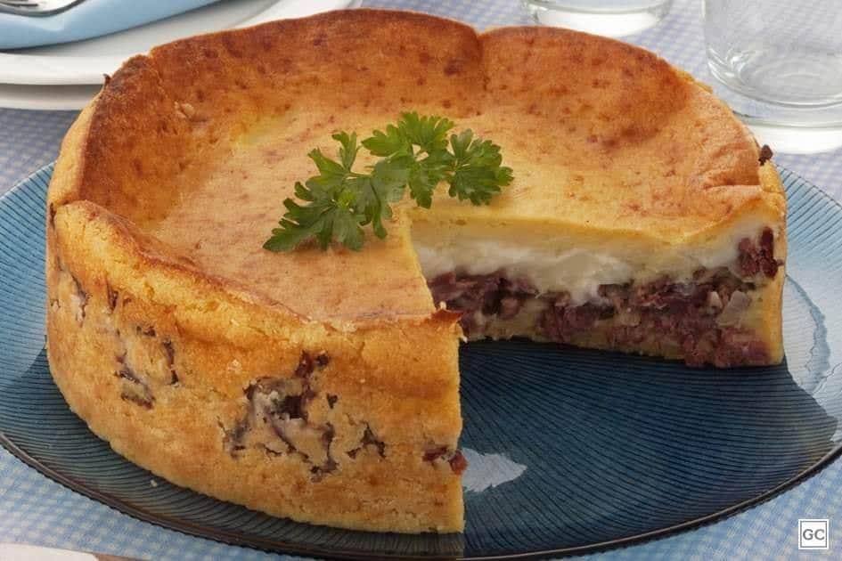 Receita de Torta de mandioquinha e carne seca