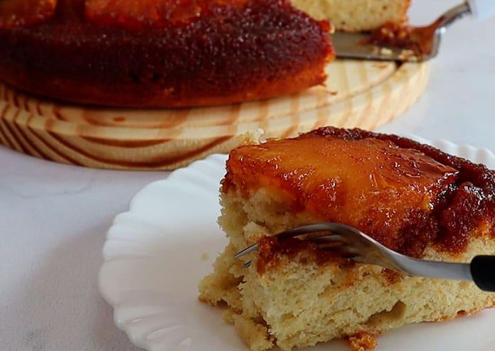 Torta de abacaxi caramelizado com massa super fofinha