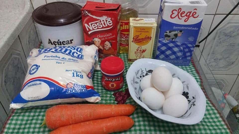 Ingredientes para o bolo de cenoura
