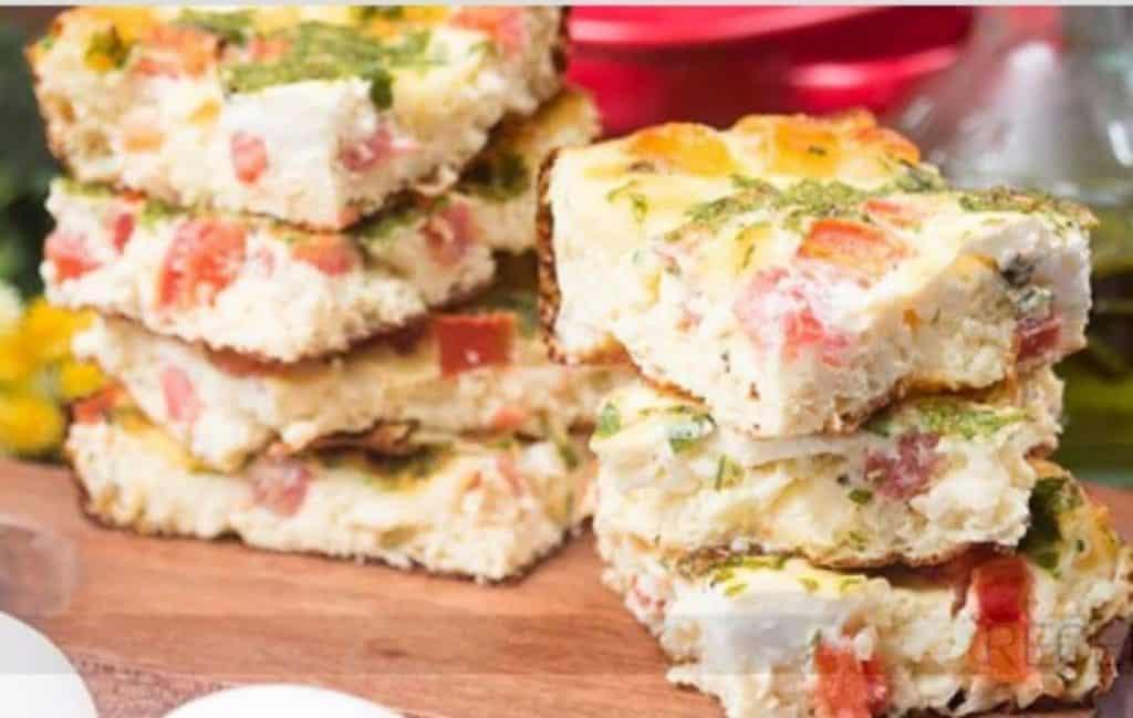 Omelete de Forno de Queijo e Tomate