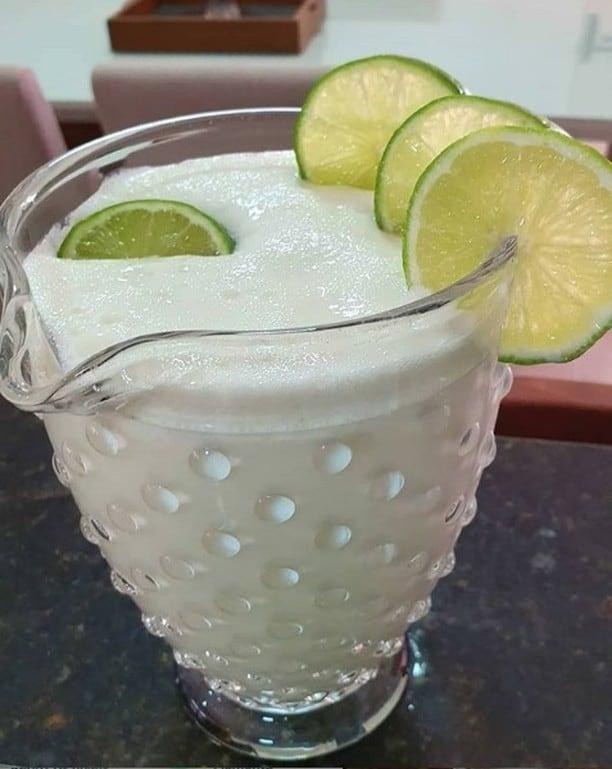 Limonada Suíça de água com gás