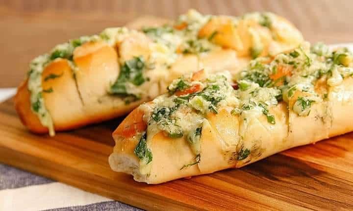 Receita de Pão de alho com frango à milanesa