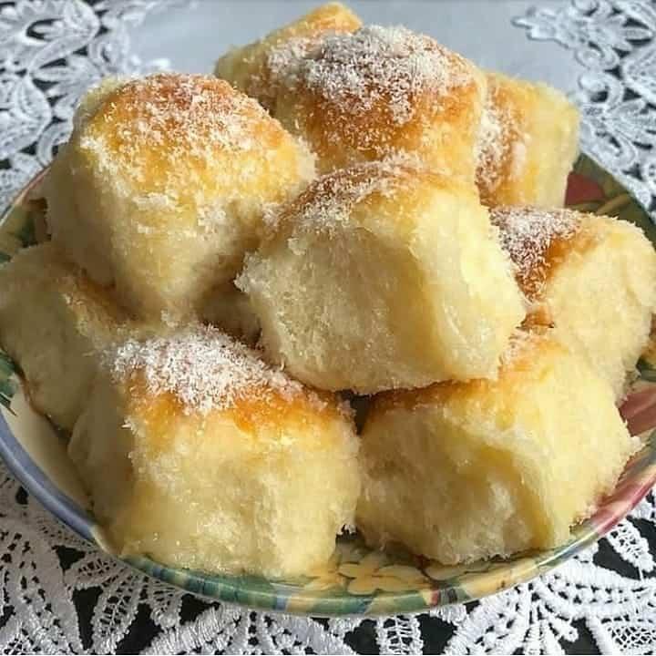 Receita de Pão doce molhadinho e fofinho