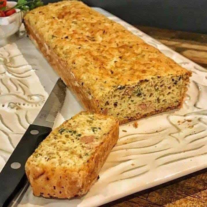 Receita de pão salgado com atum