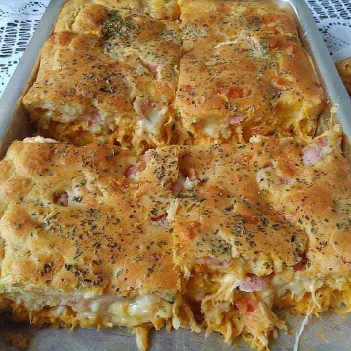 Receita de Torta cremosa de frango, bacon e requeijão
