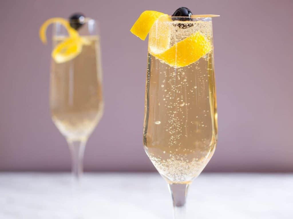 French 75: um drink com gin combinado com champanhe