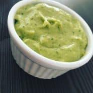 Receita de Maionese verde de abacate