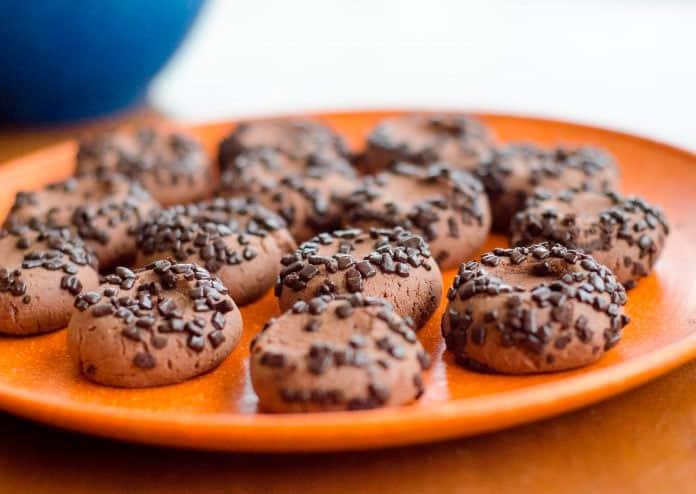 Receita de Biscoitinho de chocolate fácil