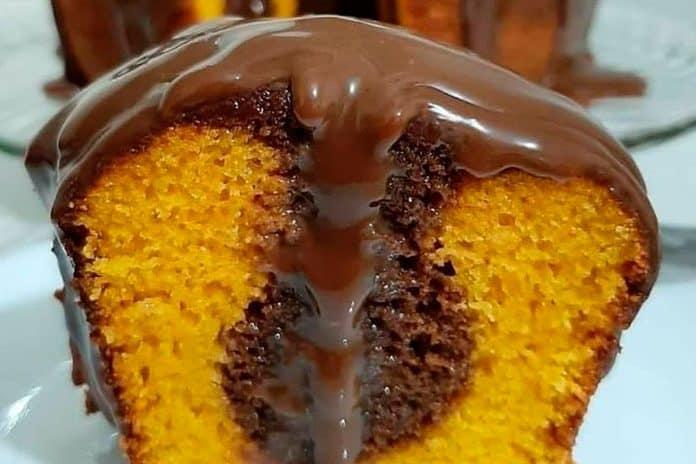 Receita de bolo de cenoura mesclado com chocolate