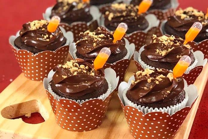 Receita de Cupcake de Chocolate com Paçoca
