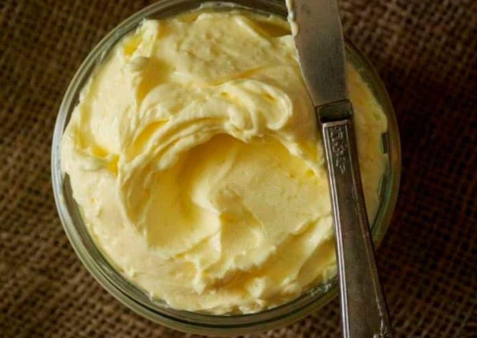 Receita de Manteiga caseira com apenas 2 ingredientes
