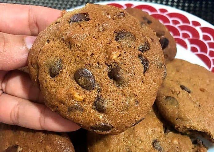 Receitas de Cookies com nozes e gotas de chocolate