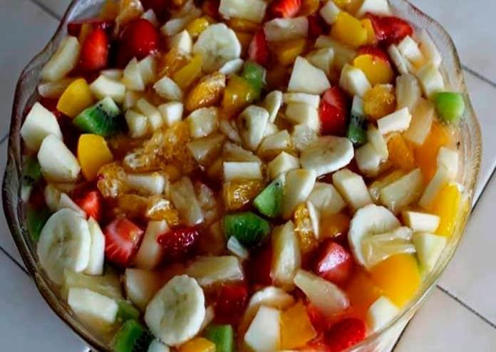 Receita de salada de frutas com calda