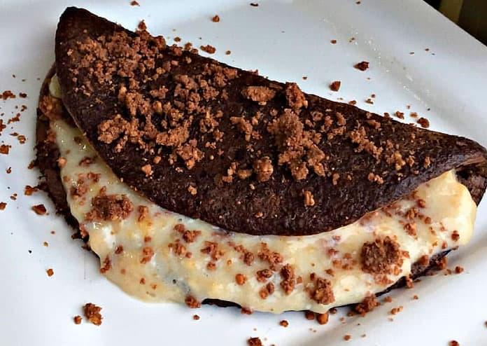 Receita de Panqueca de chocolate com banana e paçoca