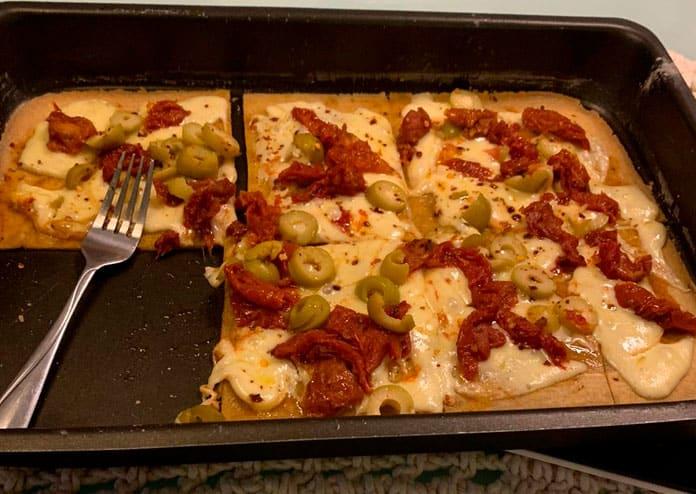 Receita de Pizza com massa de tapioca sem glúten