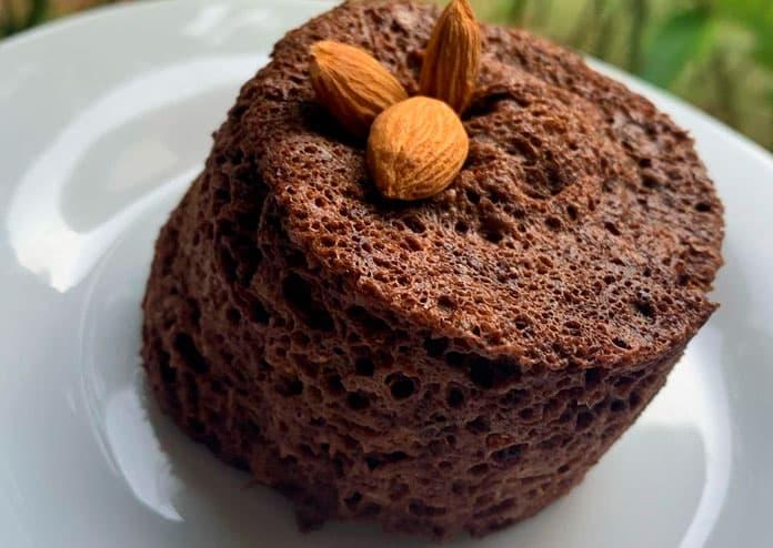 Receita de Bolo de caneca de chocolate com banana