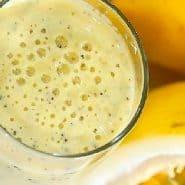 Receita de Smoothie cremoso de banana com maracujá