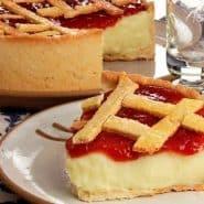 Receita de Torta cremosa com geleia de morango