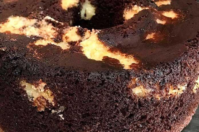 Receita de Bolo de Chocolate Recheado Prestígio
