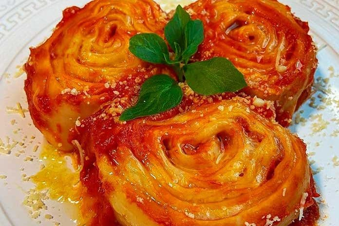 Receita de Rondelli ao molho de tomate